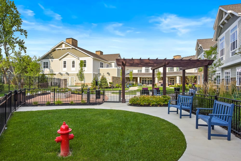 Courtyard with seating at Anthology of Meridian Hills in Indianapolis, Indiana