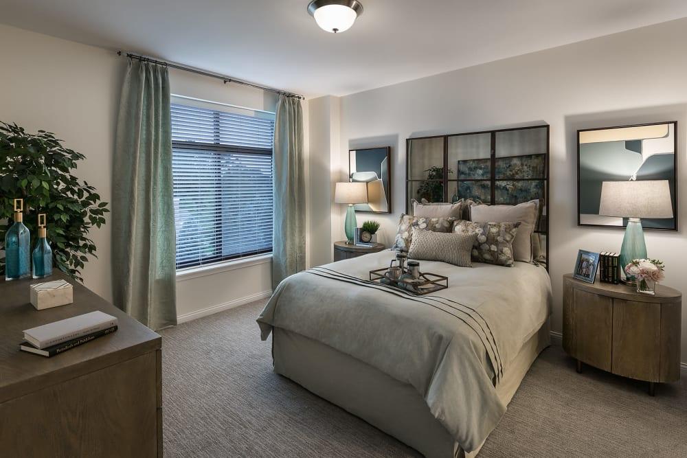 Master bedroom at Cedarbrook of Rochester