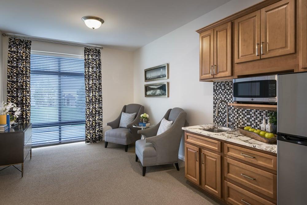 Living room at Cedarbrook of Rochester