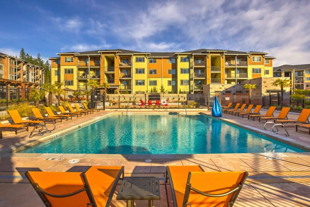 Large resort-style swimming pool at Vue Issaquah in Issaquah, Washington