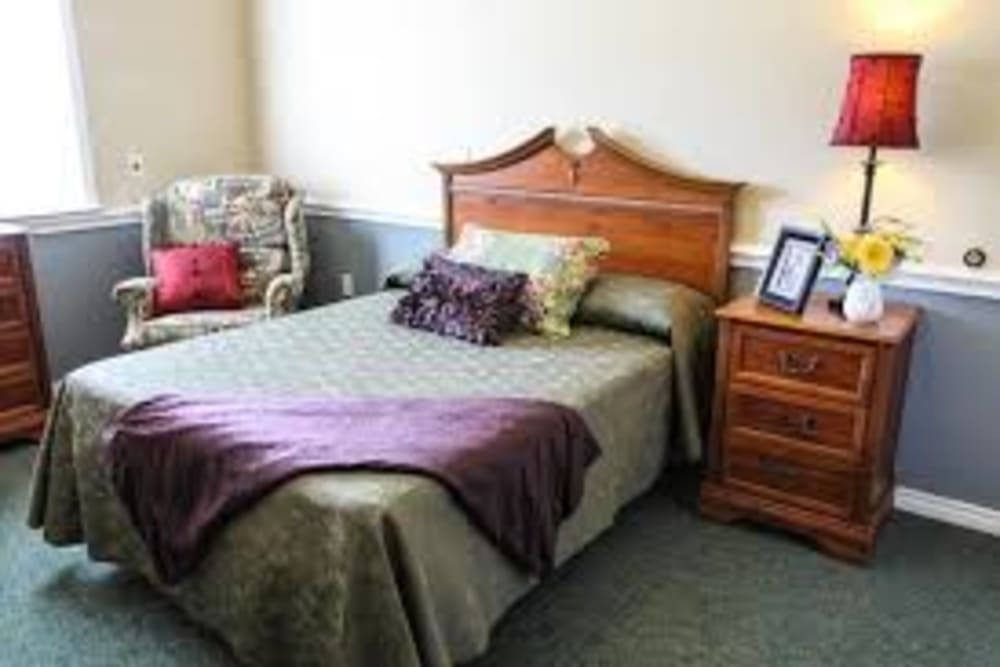 Resident bedroom at Creekside Alzheimer's Special Care Center in Pearland, Texas