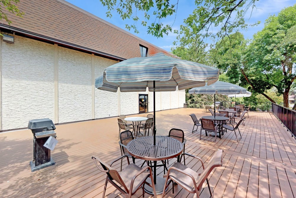 Sundeck at Oaks Braemar in Edina, Minnesota
