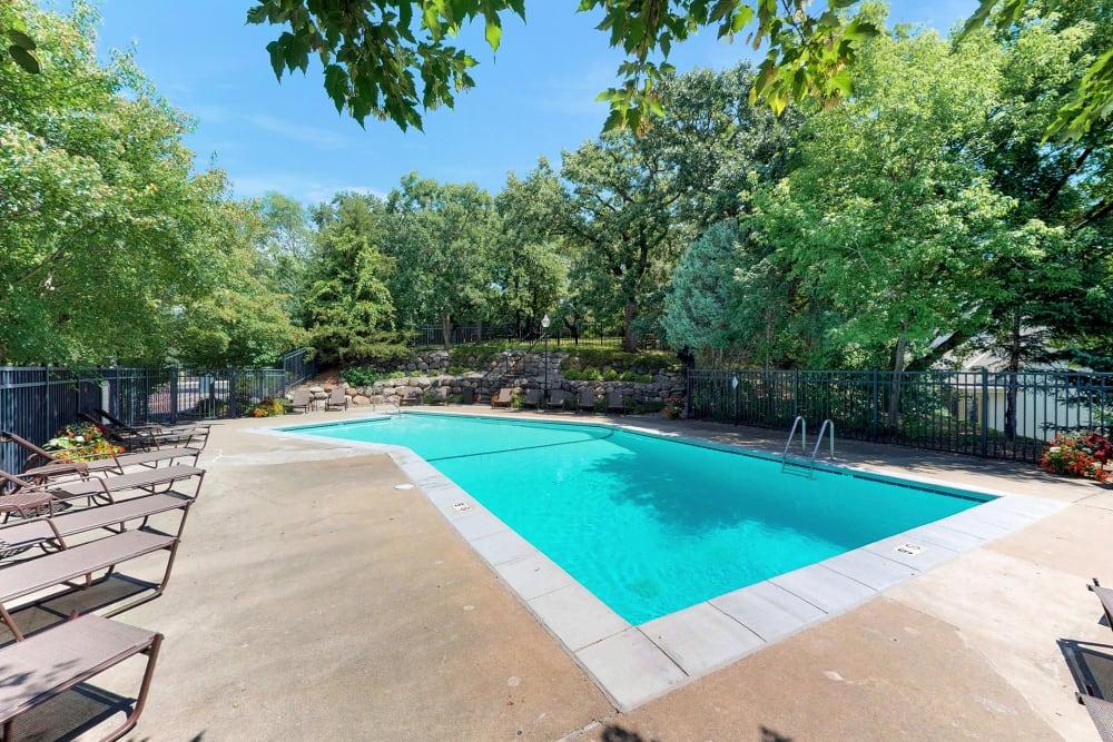 Swimming pool at Oaks Braemar in Edina, Minnesota