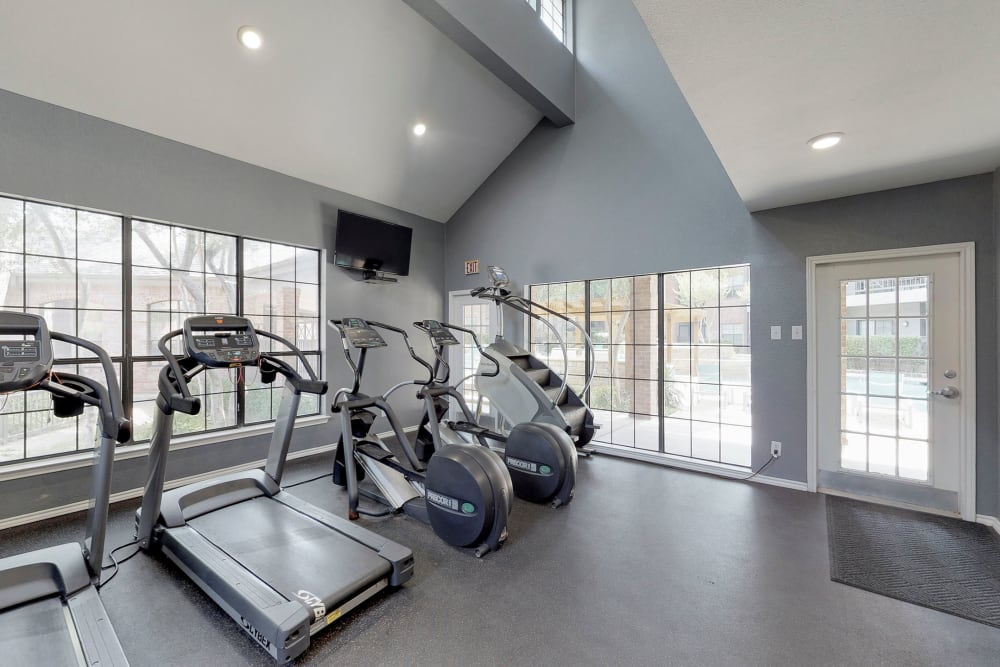 Fitness center for residents at Oaks Hackberry Creek in Irving, Texas