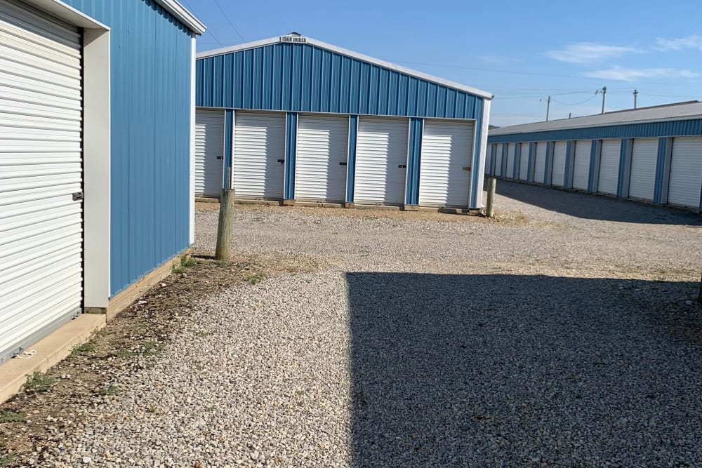 wide driveways at Chillicothe Storage in Chillicothe, Ohio