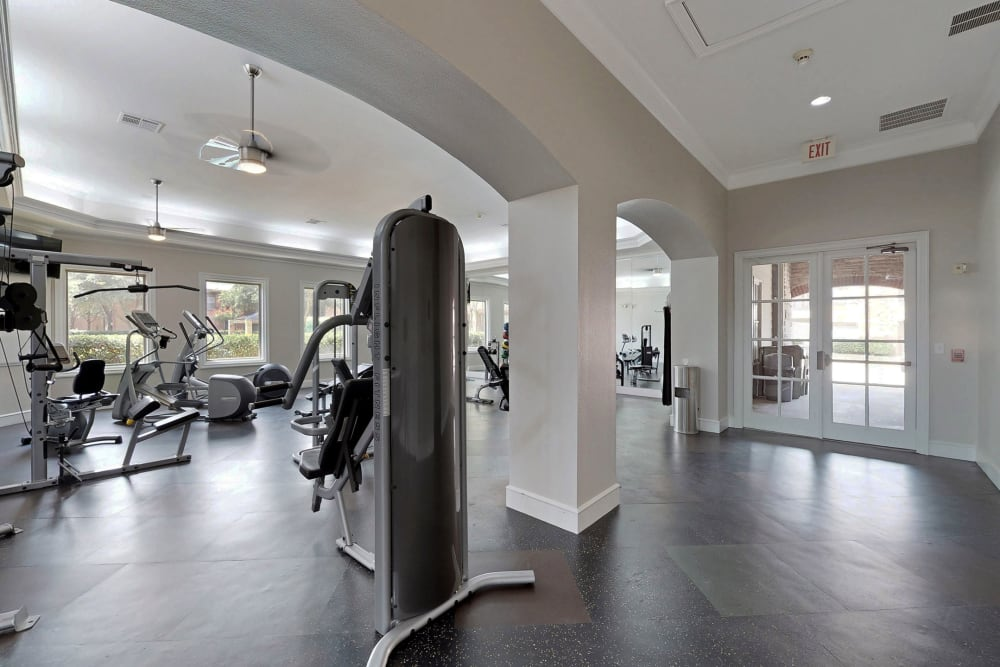 Fitness center for residents at Oaks Riverchase in Coppell, Texas