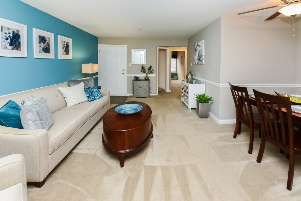 Living Room at Fox Run Apartments & Townhomes in Bear, Delaware