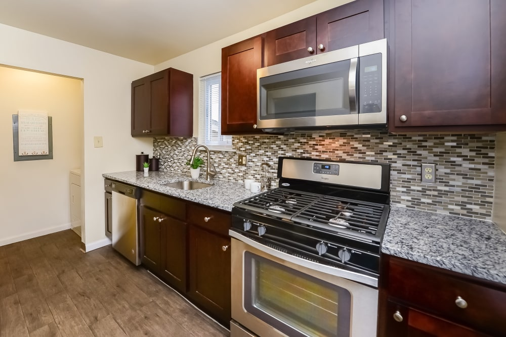 Kitchen at Fox Run Apartments & Townhomes in Bear, Delaware