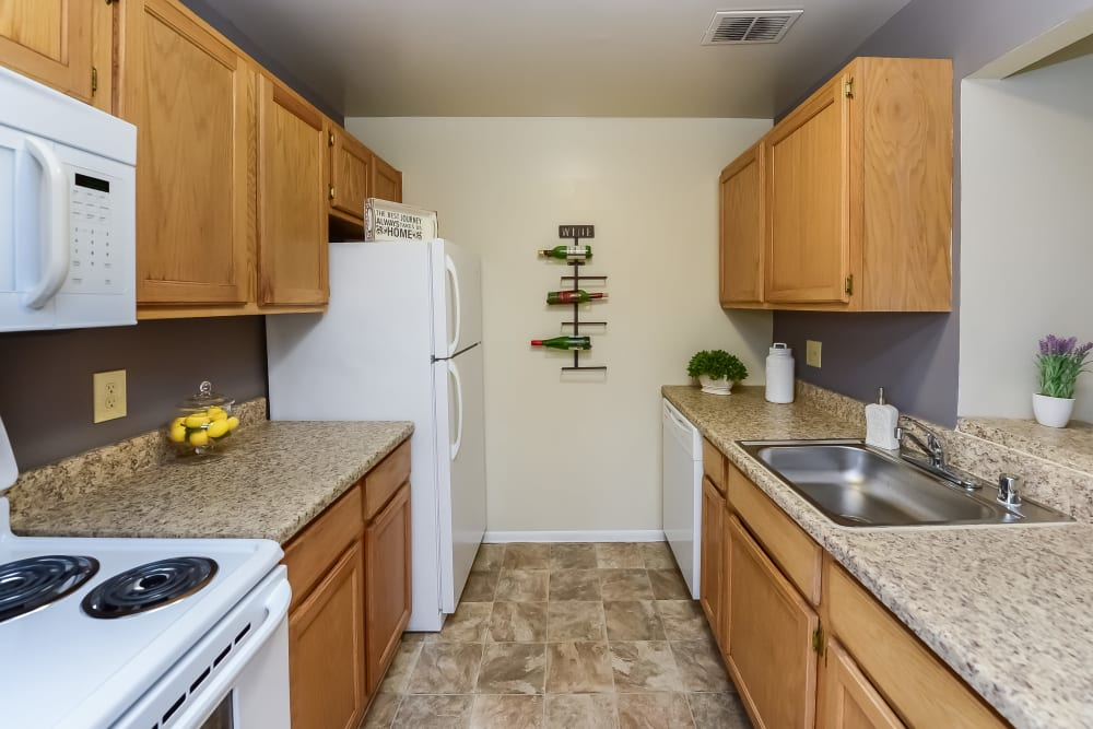Kitchen at Fox Run Apartments & Townhomes in Bear, DE