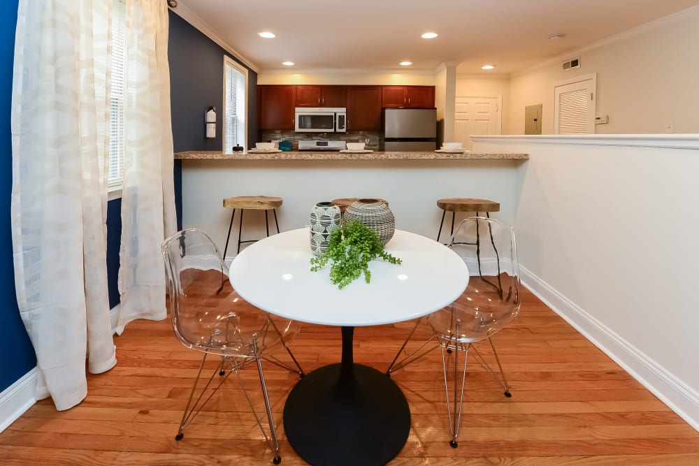Dining area at The Villas at Bryn Mawr Apartment Homes