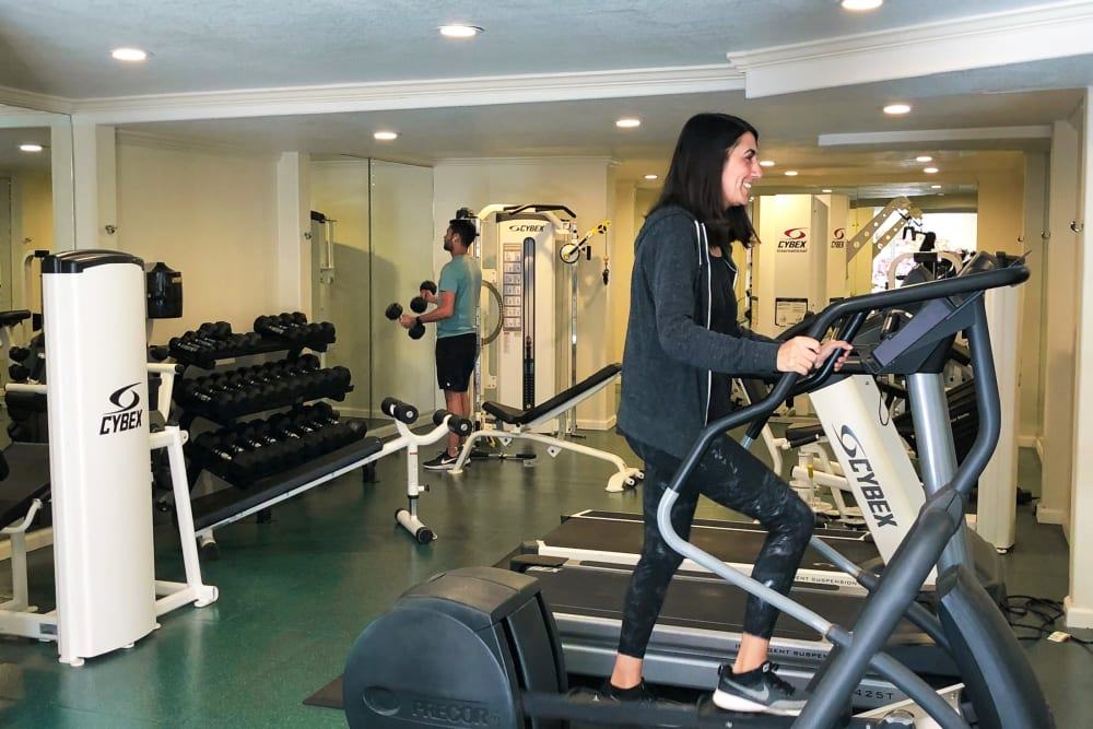Fitness amenities at Greendale Apartments in Mountain View, California