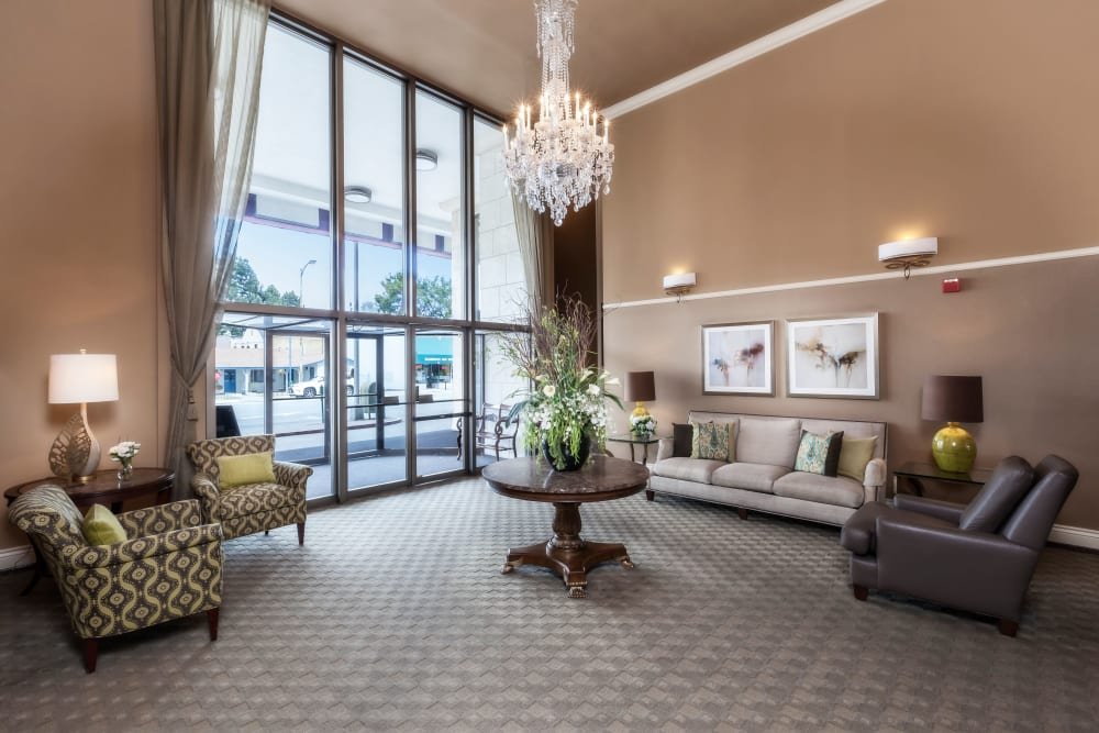Luxury clubhouse at Hillsborough Plaza Apartments in San Mateo, California