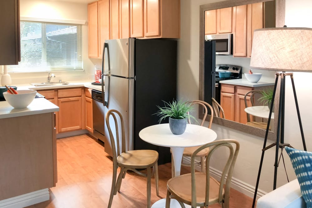 Kitchen amenities at Parkwood Apartments in Sunnyvale, California