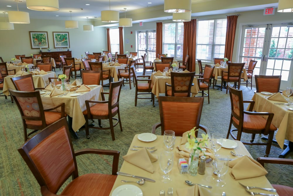 A dining room at Harmony at Chantilly in Herndon, Virginia