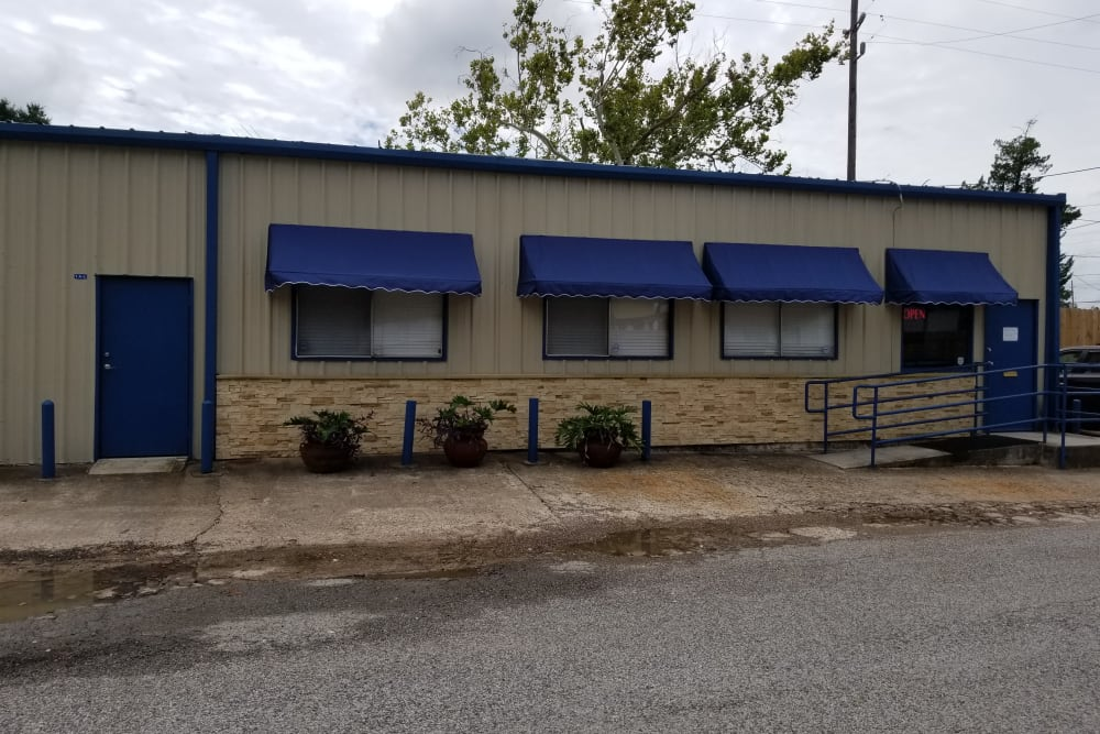 Front office of AAA Alliance Self Storage in Humble, Texas