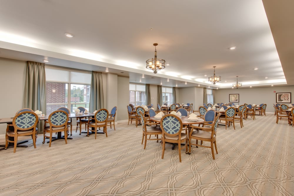 A dining area at Harmony at Oakbrooke in Chesapeake, Virginia