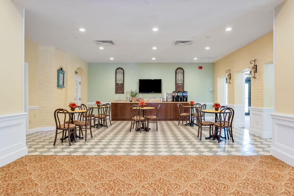 Dining hall at Grand Villa of Boynton Beach in Florida