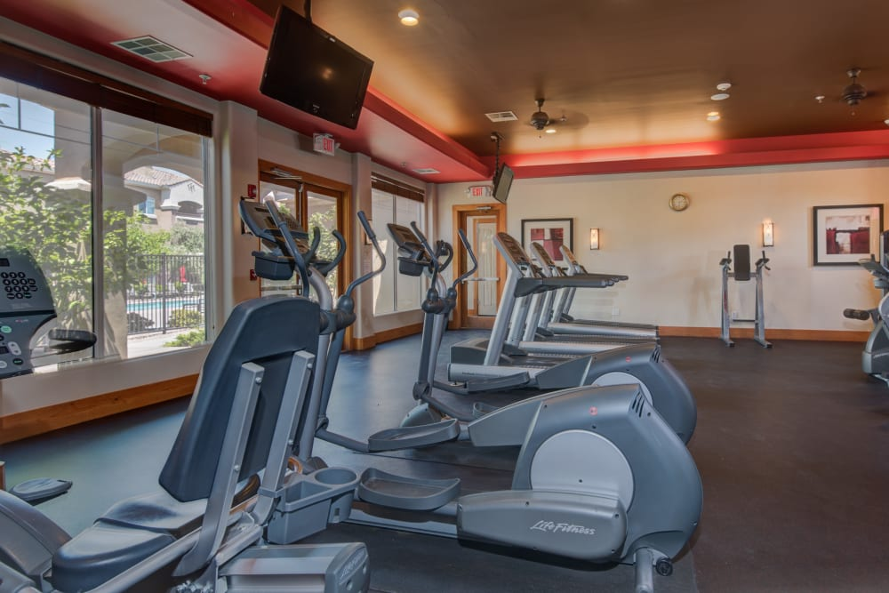 Well-equipped onsite fitness center at Broadstone Towne Center in Albuquerque, New Mexico