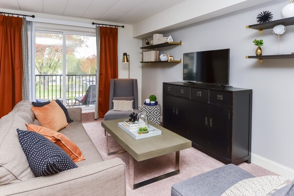 Living Room at Stonegate at Devon Apartments in Devon, Pennsylvania