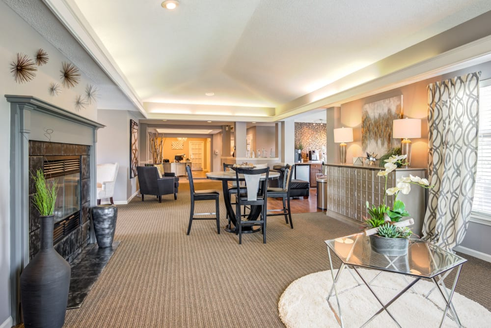 Clubhouse lounge at Coach House Apartments in Kansas City, Missouri