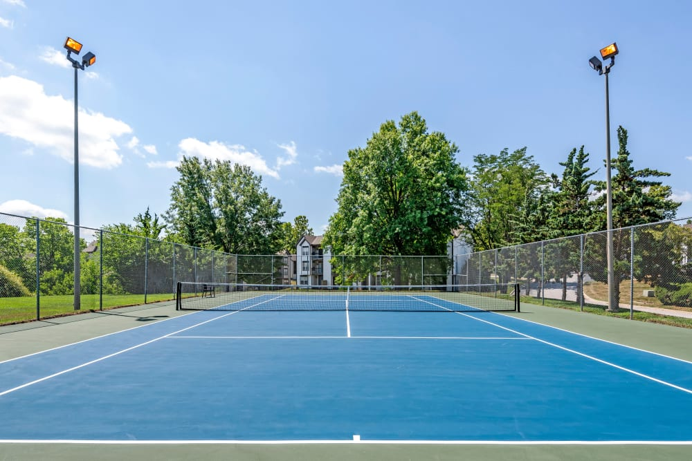 Resident tennis court at Coach House Apartments in Kansas City, Missouri