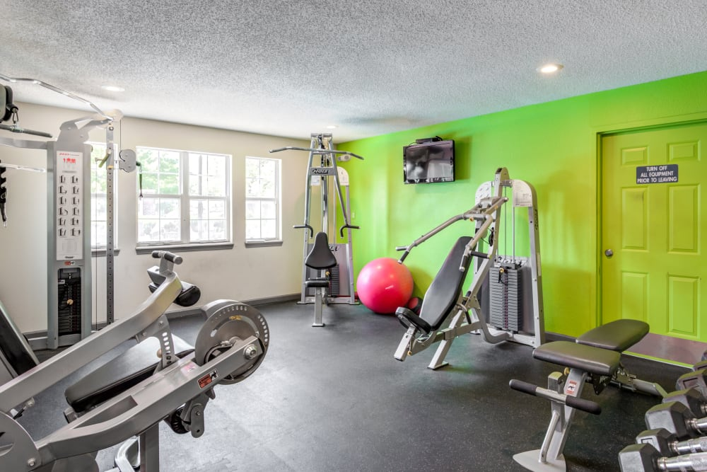 HarbortFit Fitness Center weight machines at Coach House Apartments in Kansas City, Missouri