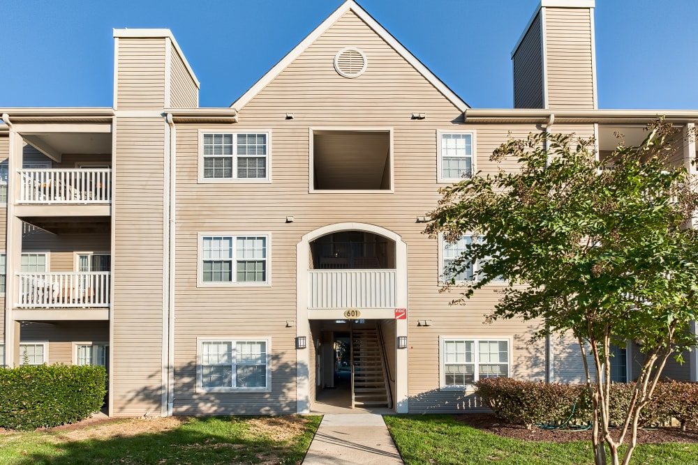 Exterior of The Reserve at Ballenger Creek Apartments in Frederick, Maryland