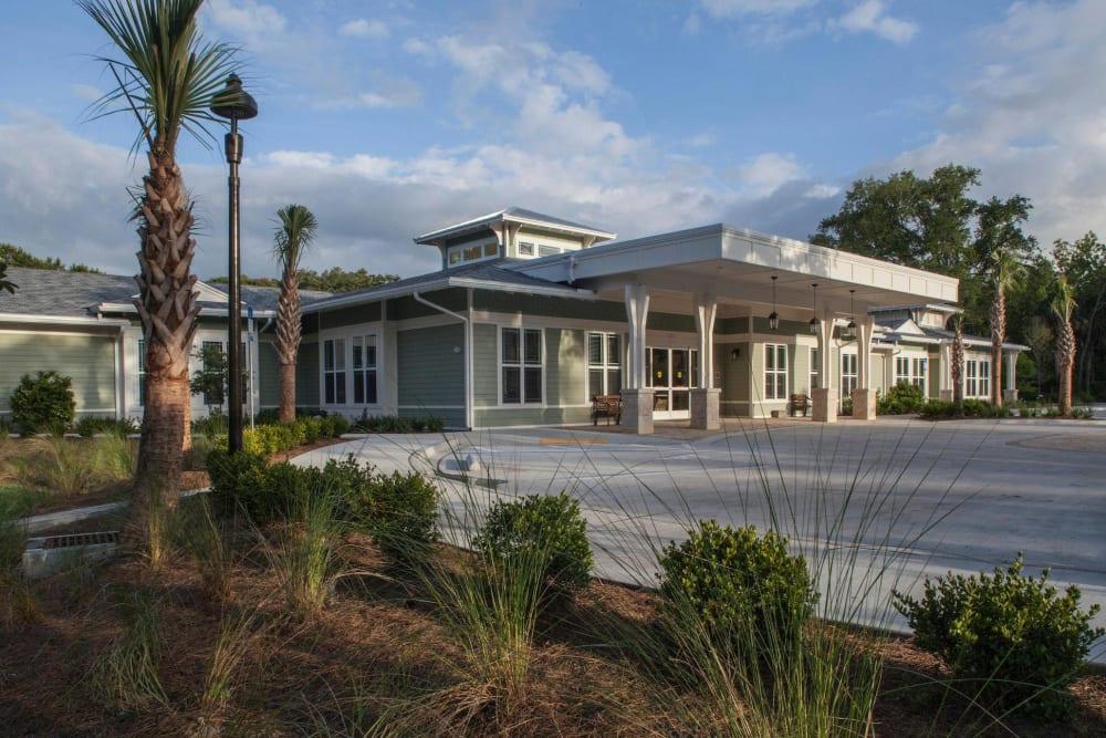 Main entrance at Ponte Vedra Gardens Alzheimer's Special Care Center in Ponte Vedra Beach, Florida
