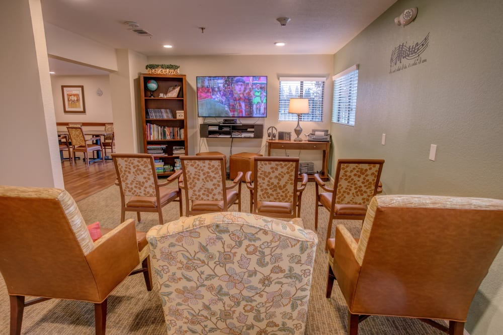 Memory care tv room at Golden Pond Retirement Community