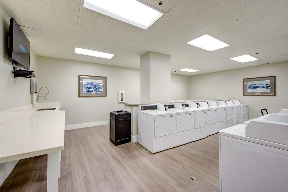 Laundry facility at Sofi at 3rd in Long Beach, California