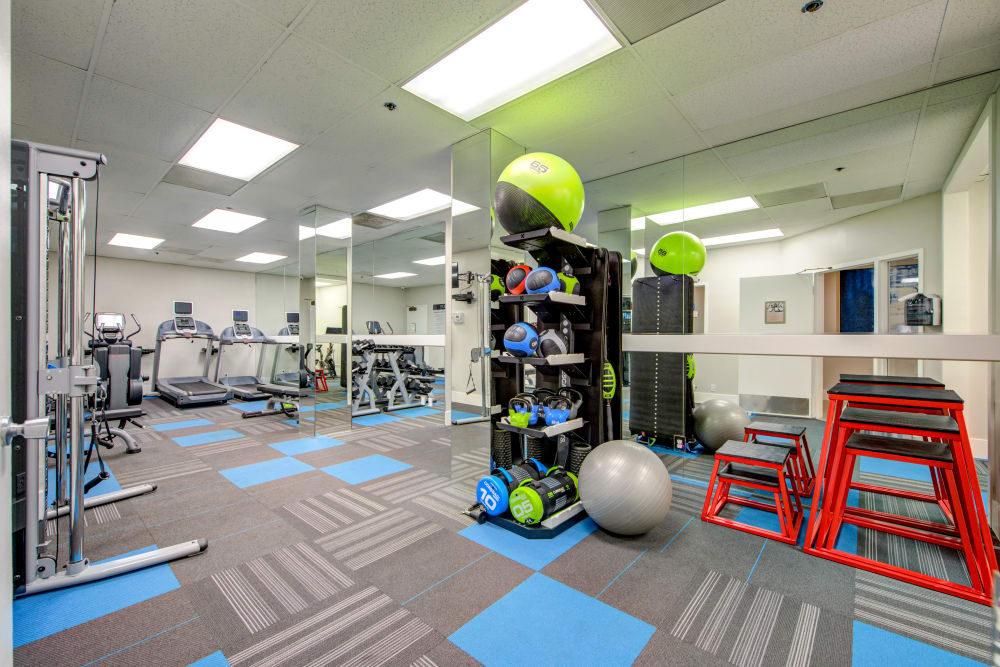 Well-equipped onsite fitness center at Sofi at 3rd in Long Beach, California