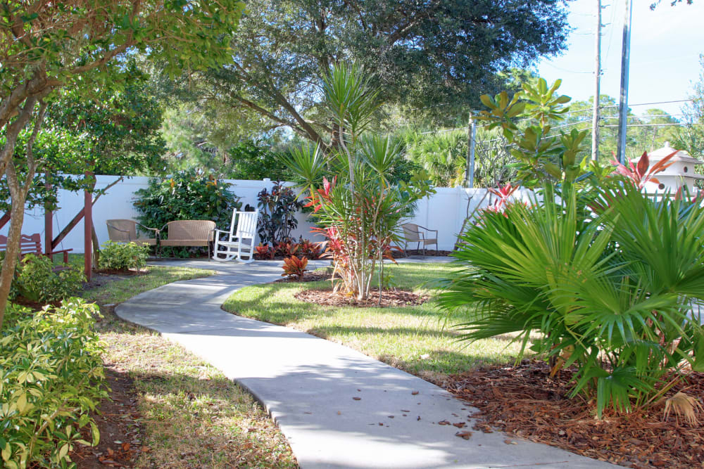 Walking trails at Bayside Terrace in Pinellas Park, Florida