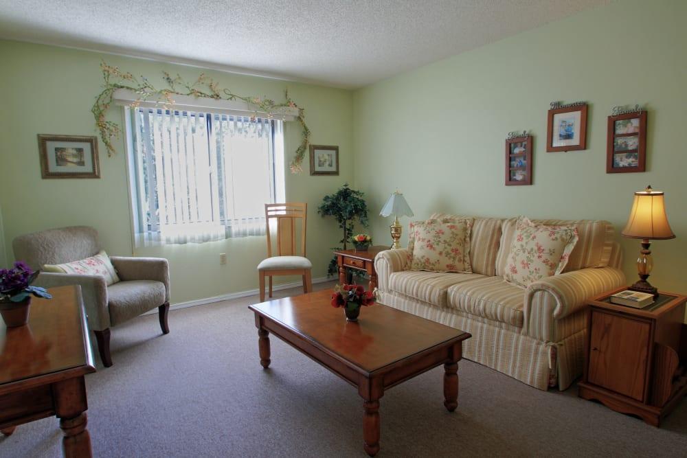 A bright living room at Bradenton Oaks in Bradenton, Florida