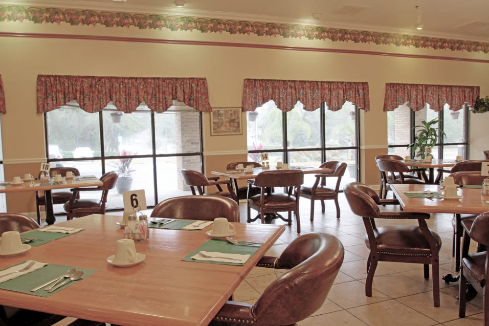 Dining area at Spring Oaks in Brooksville, Florida