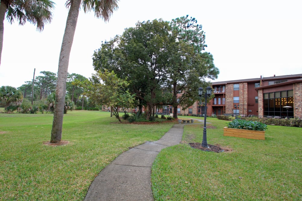 Walking trails at Renaissance Retirement Center in Sanford, Florida