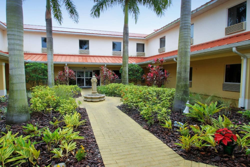 Landscaping at Balmoral Assisted Living in Lake Placid, Florida
