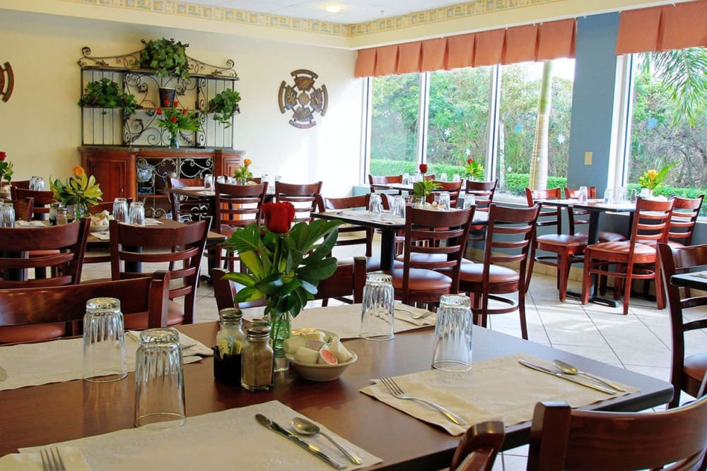 Dining at Balmoral Assisted Living in Lake Placid, Florida