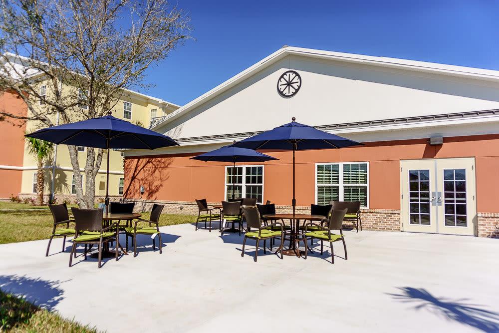 A sunny outdoor area at Gentry Park Orlando in Orlando, Florida