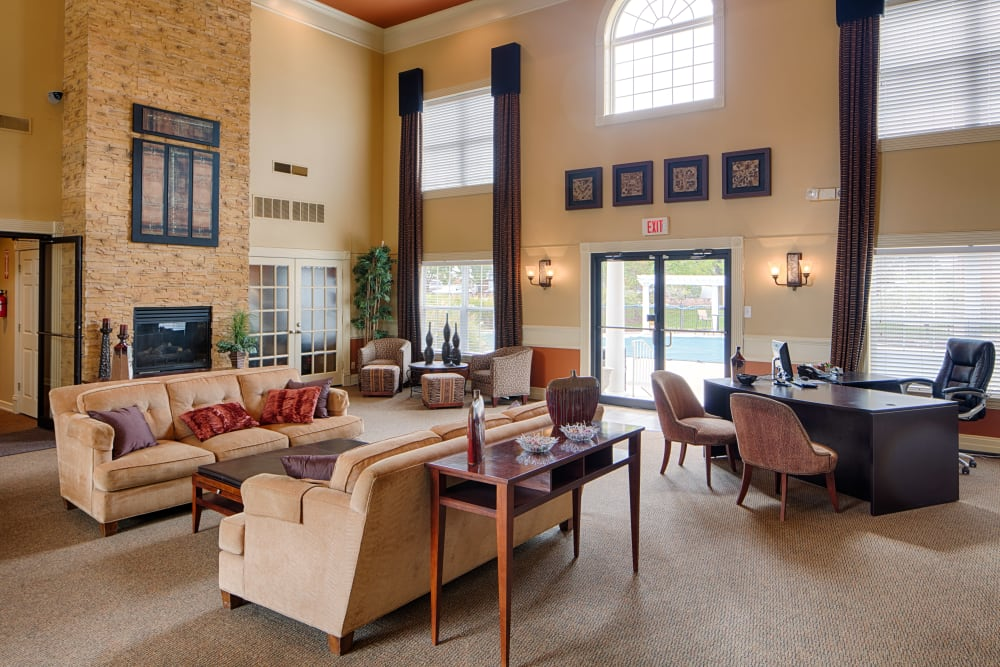 Well-furnished lounge area in the clubhouse at Oxford Hills in St. Louis, Missouri