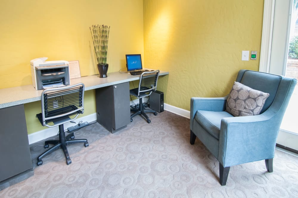 Business center with computers for resident use at Bellingham Apartment Homes in Marietta, Georgia