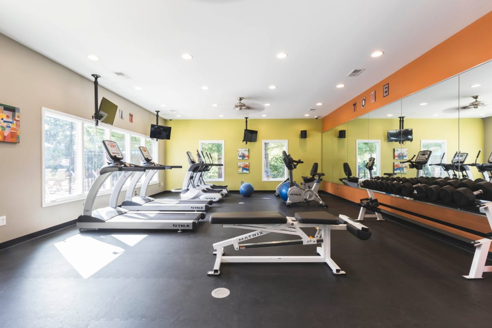 Hickory Woods Apartments gym in Roanoke, Virginia