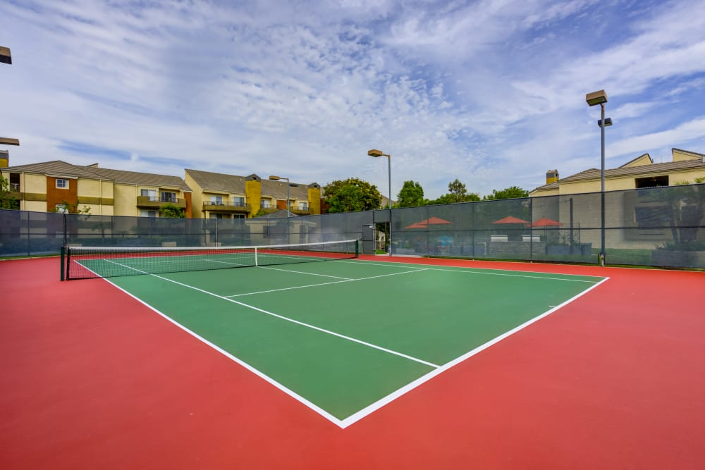 Very well-maintained onsite tennis court at Sofi Irvine in Irvine, California