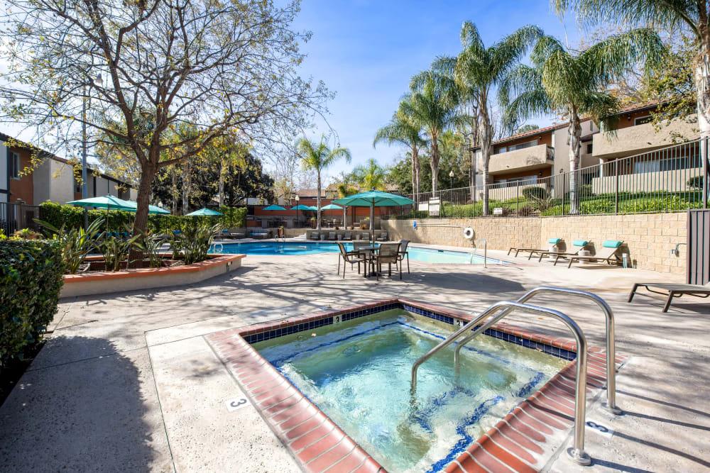 Spa area near the pool at Sofi Thousand Oaks in Thousand Oaks, California