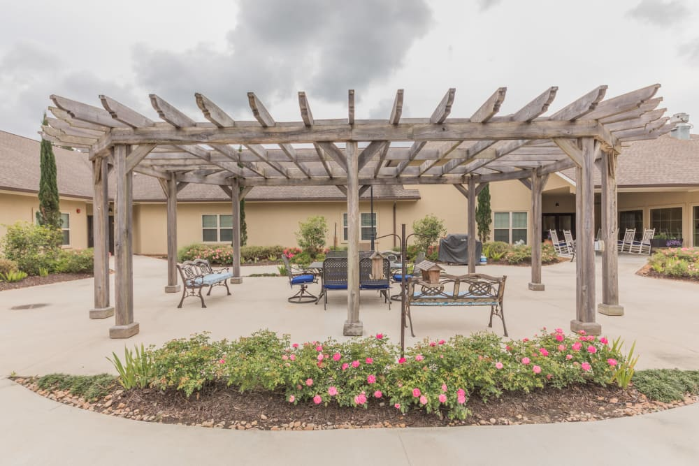 An outdoor gazebo at Cedar Crest Memory Care in Lafayette, Louisiana