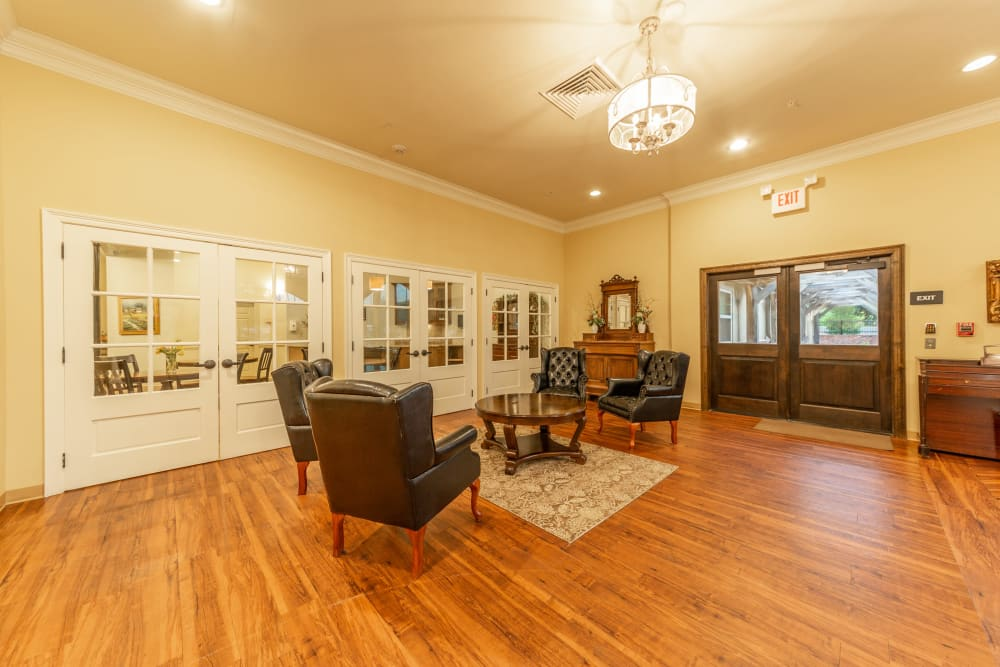A comfortable community area at Cedar Crest Memory Care in Lafayette, Louisiana