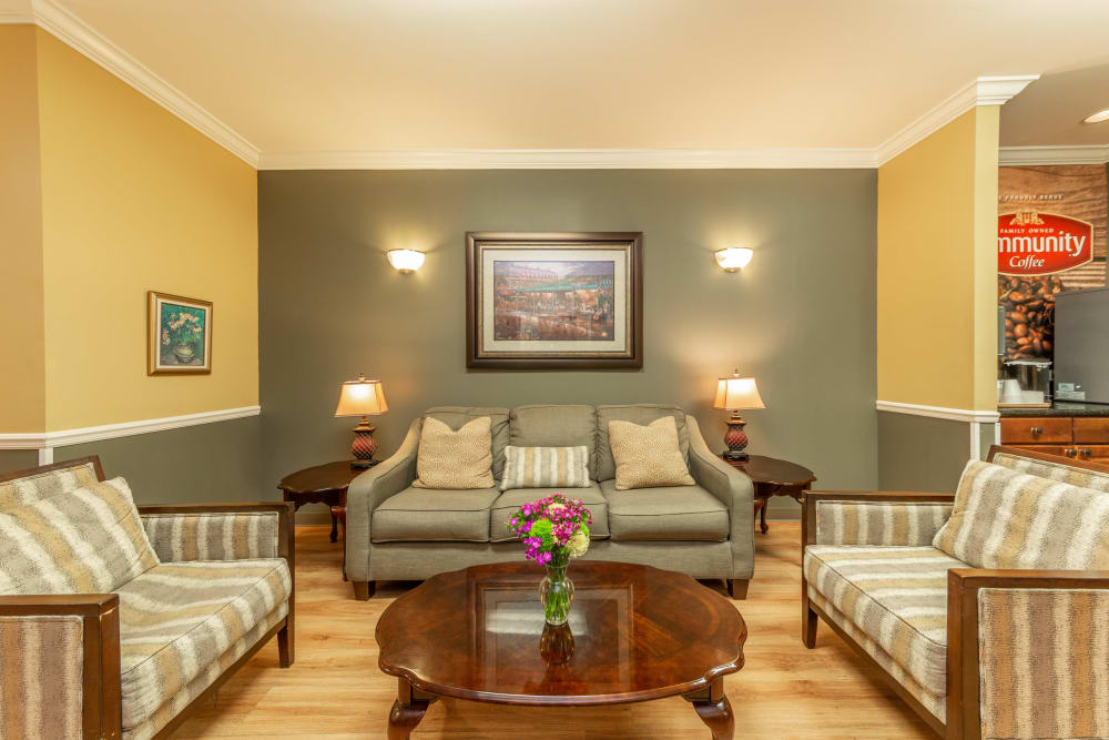 A bright and inviting visiting area at Rosewood Assisted Living in Lafayette, Louisiana