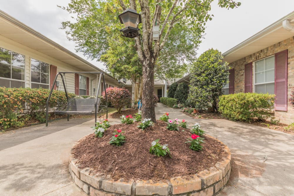 Beautiful landscaping at Rosewood Assisted Living in Lafayette, Louisiana