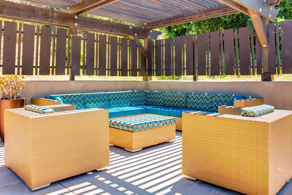 Outdoor lounge at Sofi Belmont Hills in Belmont, California