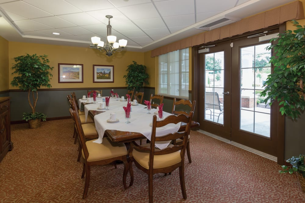 A small dining area at The Reserve at East Longmeadow in East Longmeadow, Massachusetts