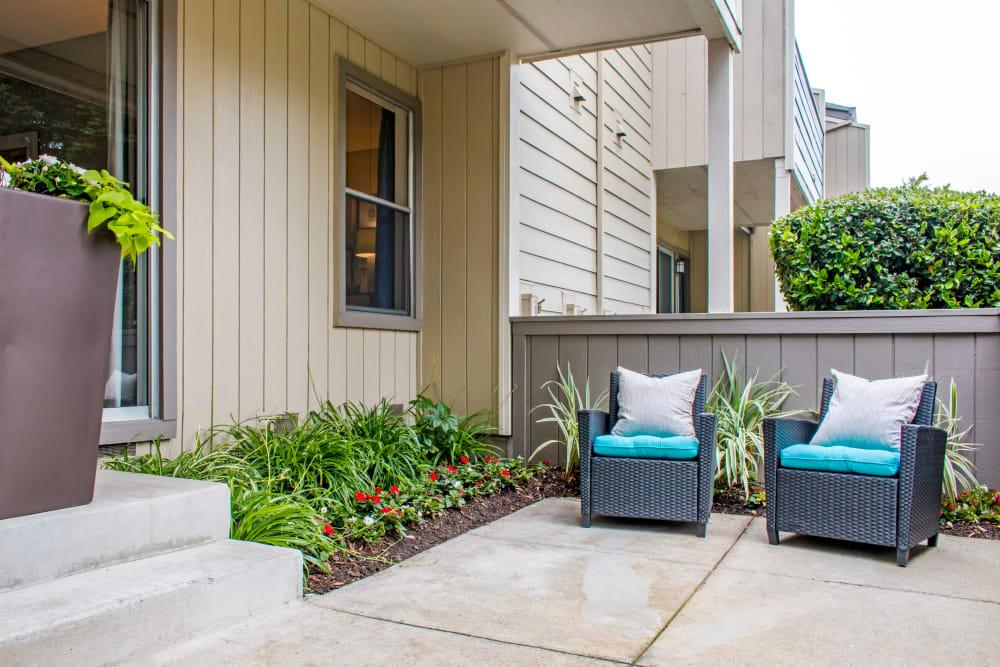Comfortably furnished private patio outside a model home at Sofi Dublin in Dublin, California